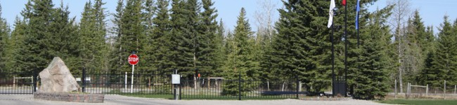 The entrance to the RV resort is beautifully maintained and welcomes guests and neighbours both.